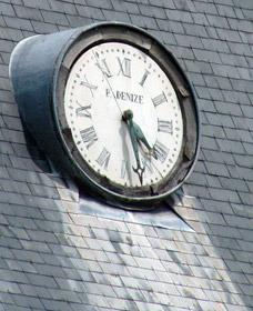Cadran de l'horloge du château de Mauny