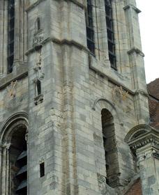Façade de l'église Saint-Pierre de Goussainville