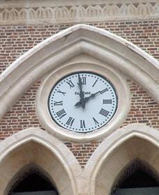Détail d'un des cadrans de l'église