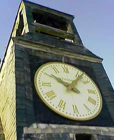Façade de l'église de Louviers