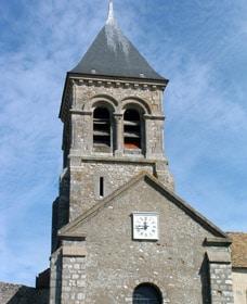 Façade de l'église de Montchauvet