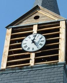 Détail de l'horloge et des cloches