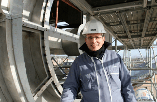 François Huchez présent sur un chantier d'Horloge