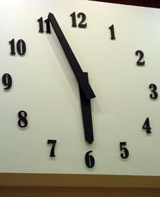 Horloge installée dans centre commerciel Leclerc de Reims