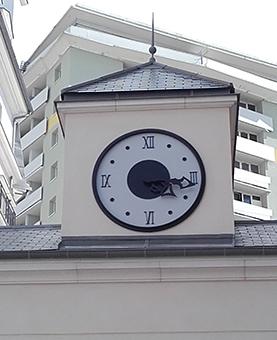 Horloge monumentale sur le Chantier Eiffage à Romainville