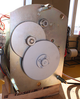 Rouages d'une horloge dans un atelier