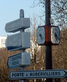 Horloge de rue à 4 faces dans Paris