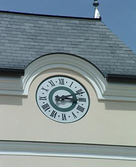 Horloge monumentale d'une résidence à Morangis
